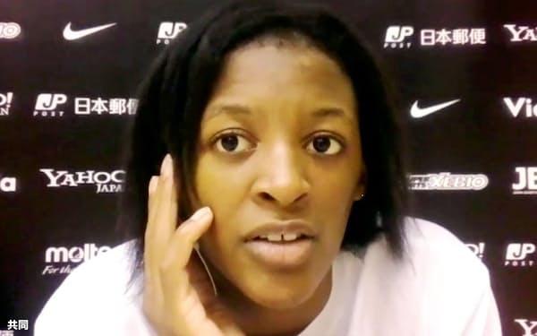 オンライン取材に応じるバスケットボール3人制女子代表候補の馬瓜ステファニー(10日)=共同