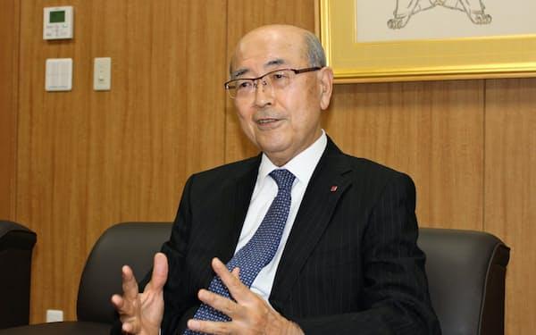 山西泰明社長は食品スーパーを将来的に300店、500店規模に増やす考えを示した(広島市のイズミ本社)