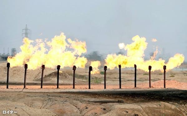 航空用燃料などの需要低迷が長引いている(イラク南部の油田)=ロイター