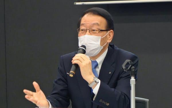 4~9月期決算を発表する、ふくおかフィナンシャルグループの柴戸隆成会長兼社長(福岡市)