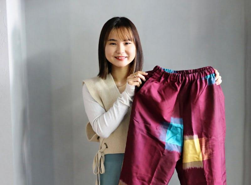 むらかみ・あや 1998年群馬県伊勢崎市生まれ。慶応大学総合政策学部4年生。2019年にアパレルブランド「Ay(アイ)」を立ち上げ、20年6月に法人化。21歳。