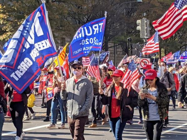 米大統領選の結果に抗議するトランプ氏支持者の抗議デモ
