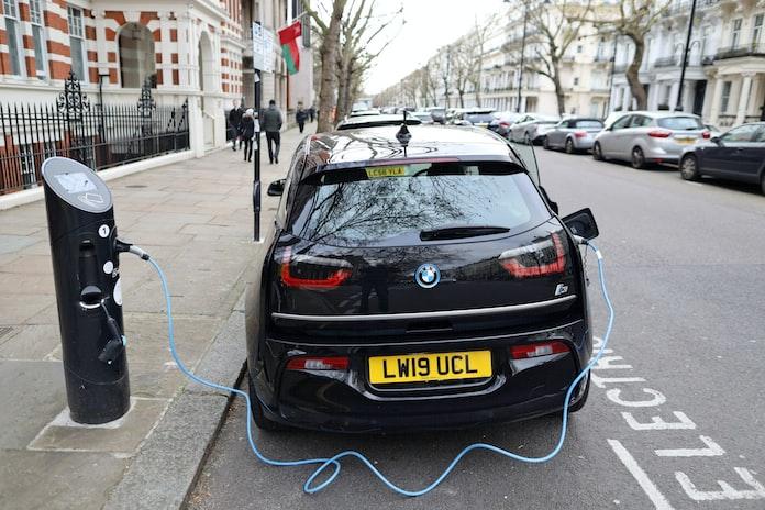 ガソリン 禁止 新車 英国 車 販売 いつまで に