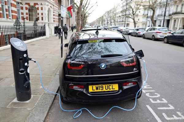 イギリス ガソリン 車 販売 禁止