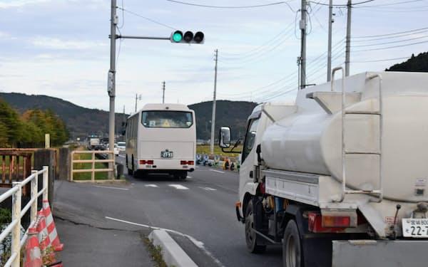 避難道路は狭く渋滞の可能性が指摘されている(県道234号)