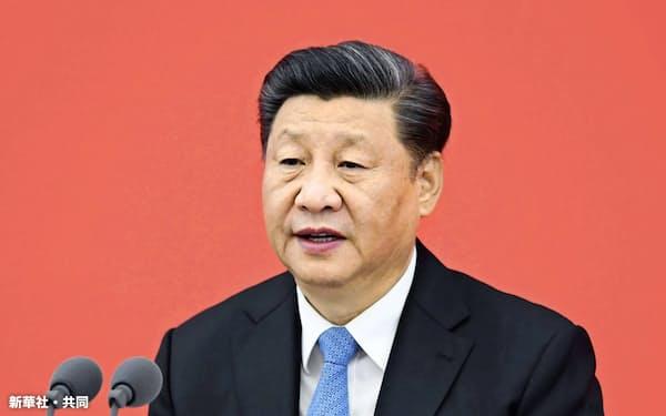 11月12日、中国上海市で開かれた式典で演説する習近平国家主席(新華社=共同)