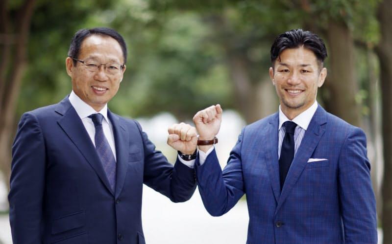 FC今治の岡田武史オーナー(左)と元ラグビー日本代表主将の廣瀬俊朗氏