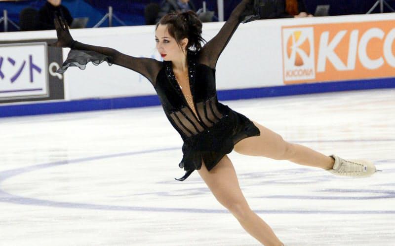 女子で優勝したエリザベータ・トゥクタミシェワのフリーの演技(21日、モスクワ)=共同