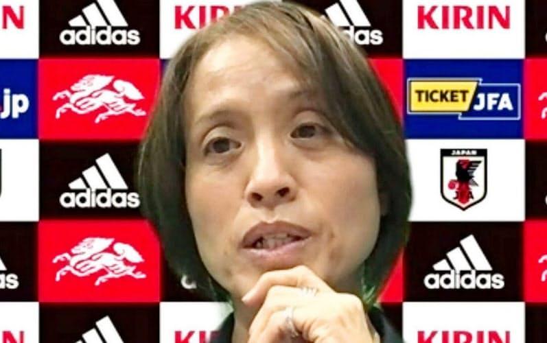 サッカー女子日本代表候補の合宿が始まり、オンラインで取材に応じる高倉監督=23日