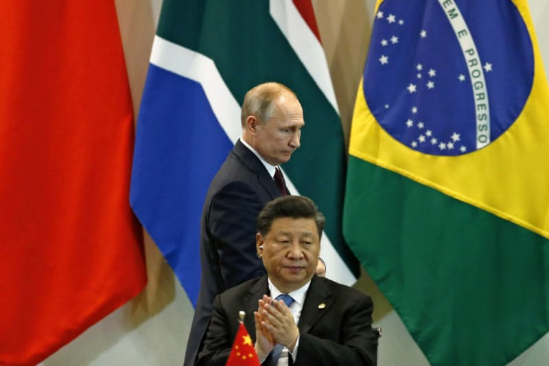 中国の習近平(シー・ジンピン)国家主席とロシアのプーチン大統領は反インド太平洋構想で共闘する(2019年11月、ブラジリア)=AP