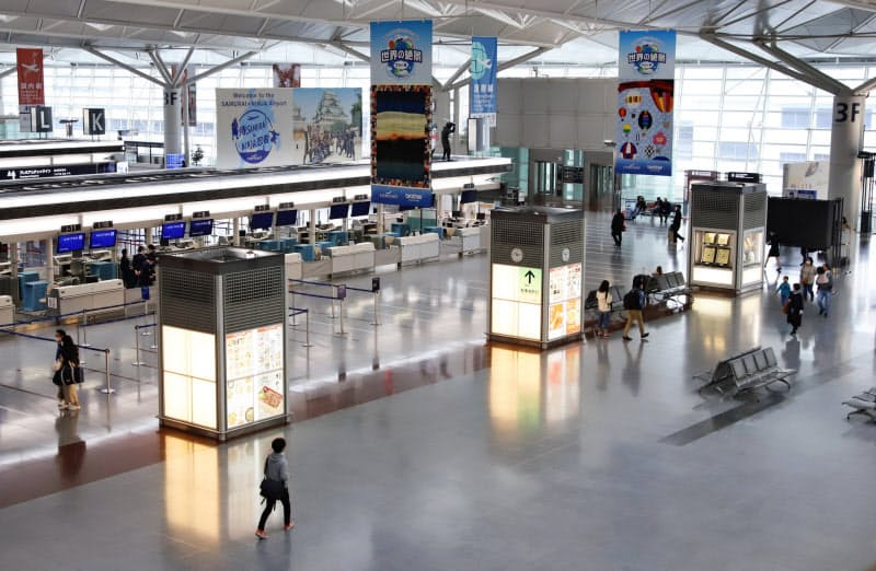 閑散の続く中部国際空港の出発ロビー(愛知県常滑市)