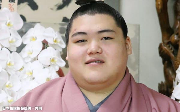 新十両に昇進した王鵬=25日午前、東京都江東区の大嶽部屋=日本相撲協会提供・共同