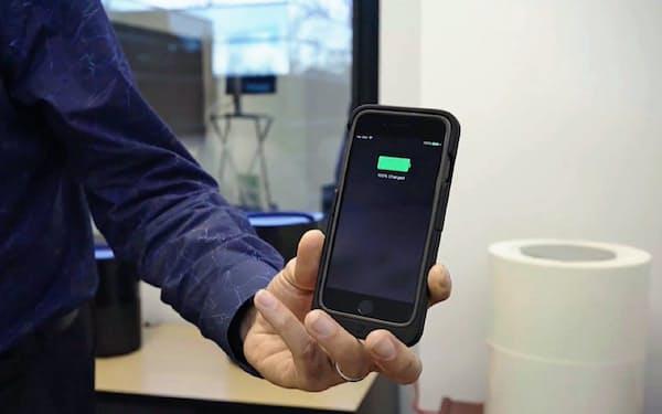 米オシアが開発した無線でiPhoneを充電できるケース