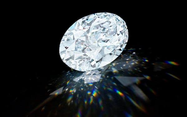 10月5日にオークションで落札された100カラット超の大粒ダイヤモンド(C) Sotheby's