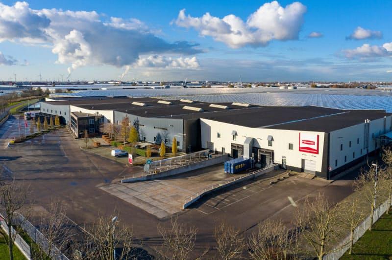 オランダのトマト生産者団体が展開する環境整備型ハウス