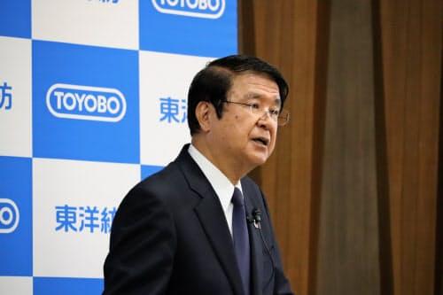 東洋紡の楢原誠慈社長は9日の決算会見で、樹脂の品質問題に関連したリコールの可能性にも言及した