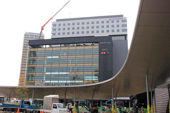 JR熊本駅ビル、九州初の14店など186店が出店: 日本経済新聞