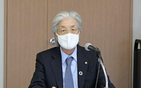 横浜商議所の上野会頭は高齢者の新型コロナ感染拡大に危機感を示した(26日、横浜市)