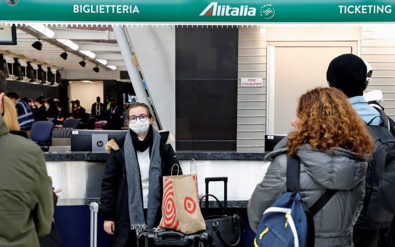 イタリアを訪れる海外旅行客のうち、米国はドイツに次ぎ多い(ニューヨークのジョン・F・ケネディ空港)=ロイター