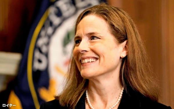 保守派のエイミー・バレット氏は10月に最高裁判事に就いた=ロイター