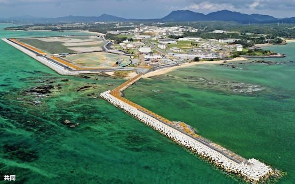 埋め立て工事が進む沖縄県名護市辺野古の沿岸部(9月)=共同