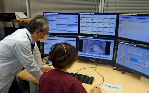 ICUの状況を遠隔集中管理する「支援センター」(昭和大学病院)