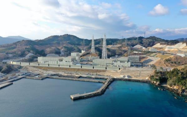 女川原子力発電所2号機の安全対策工事の完了時期は22年度内で変更はない(宮城県女川町、石巻市)