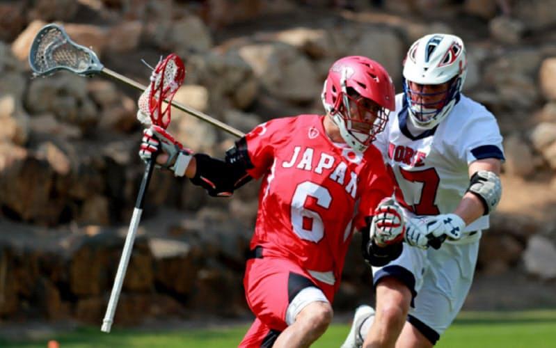 世界選手権でノルウェーと対戦するラクロス日本代表=日本ラクロス協会提供