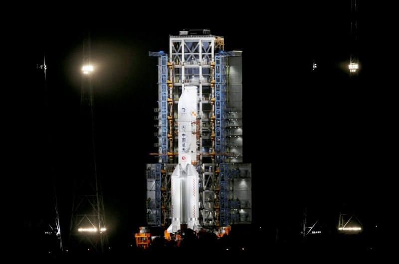 中国が11月下旬に打ち上げた月面無人探査機=ロイター
