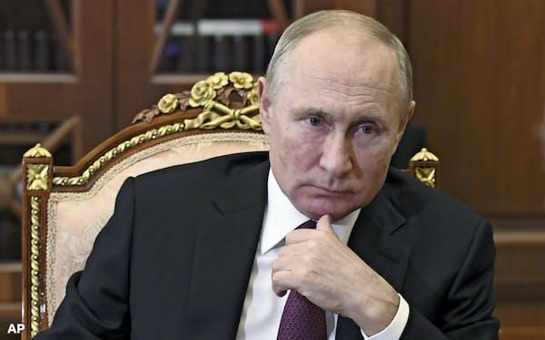 プーチン大統領はバイデン次期米政権の「内政干渉」に身構えている(11月19日、モスクワの大統領府で)=Ap