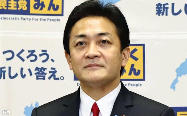記者会見に臨む国民民主党の玉木代表(28日)