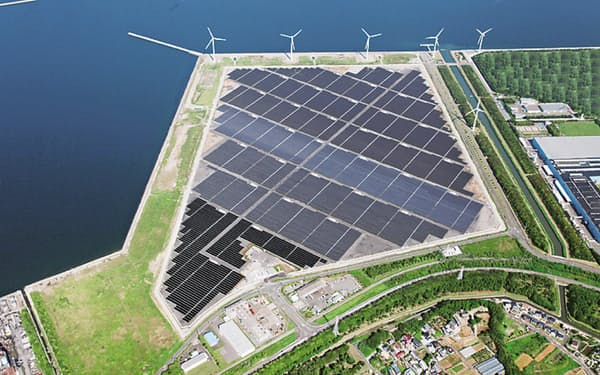 東芝は温暖化ガスの削減目標がSBTイニシアチブに認定されたと発表した(愛知県田原市の太陽光発電所)