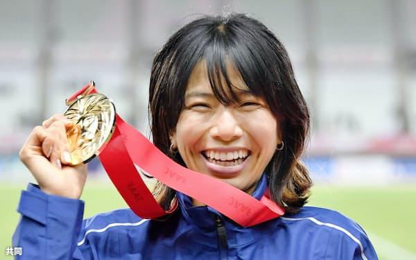 女子1万メートルで日本新記録を出した新谷仁美(2020年12月)=共同
