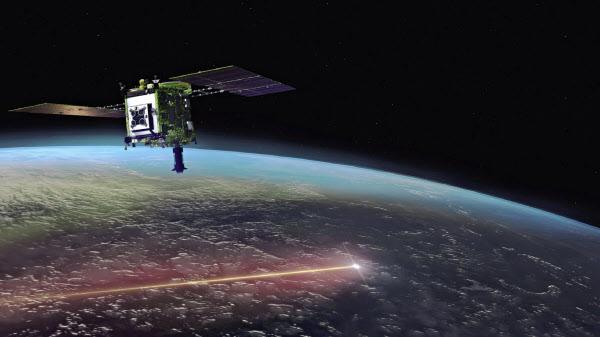 小惑星のかけらが入ったカプセルを地球に投下した小惑星探査機「はやぶさ2」のイメージ=JAXA提供