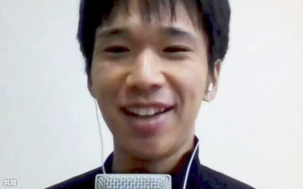 福岡国際マラソンの優勝から一夜明け、オンラインで記者会見する吉田祐也(7日)=共同
