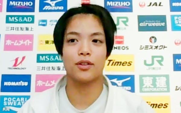 オンライン取材に応じる柔道女子52キロ級の阿部詩(8日)=共同