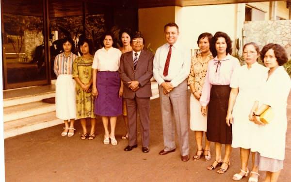メイ氏の父は日本を離れた後はインドネシアの乳業メーカーの社長に就任