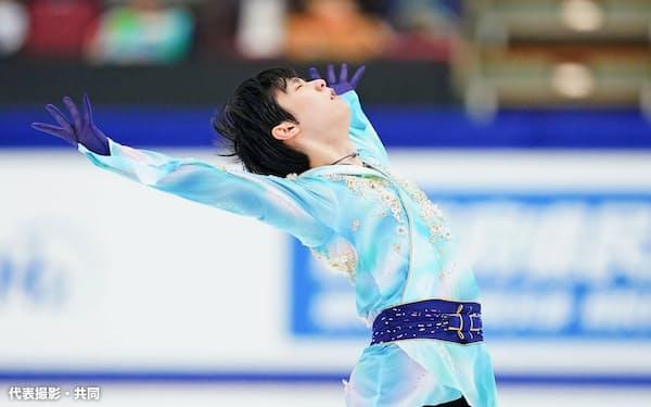 男子で優勝した羽生結弦のフリー(26日、長野市ビッグハット)=代表撮影・共同