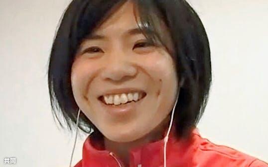 オンライン取材に応じる東京五輪女子マラソン代表の鈴木亜由子(6日)=共同