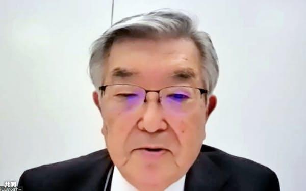 新型コロナウイルス対策連絡会議を終え、オンラインで記者会見するプロ野球の斉藤惇コミッショナー(12日)=共同