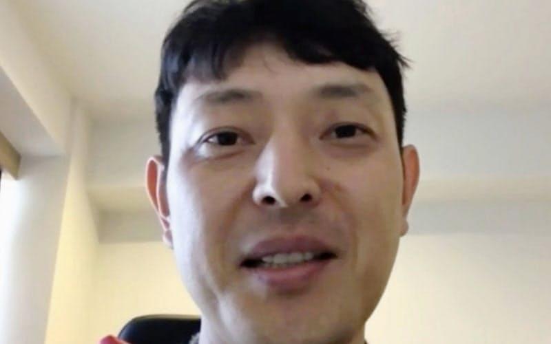マリナーズの特命コーチに就任し、オンライン記者会見する岩隈久志氏(13日)=共同