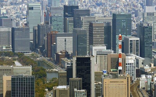オフィスビル市場も新型コロナ危機の影響が及ぶ(東京都心のオフィスビル)