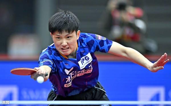 男子シングルス準々決勝で敗れた張本智和(16日、丸善インテックアリーナ大阪)=共同