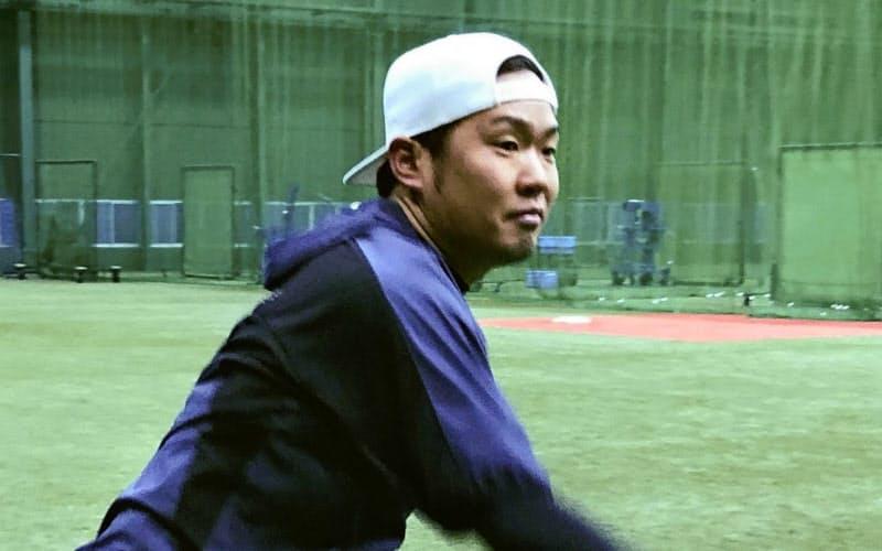 練習に励む阪神の西勇(19日、兵庫県西宮市)=球団提供・共同