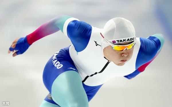 男子500メートルで滑走する村上右磨(19日、YSアリーナ八戸)=共同
