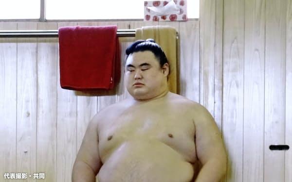 稽古に臨む隆の勝(23日、東京都板橋区の常盤山部屋)=代表撮影・共同