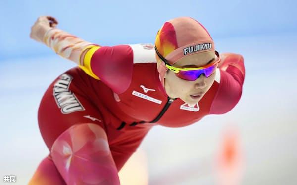 女子1500メートルで優勝した押切美沙紀(6日、YSアリーナ八戸)=共同