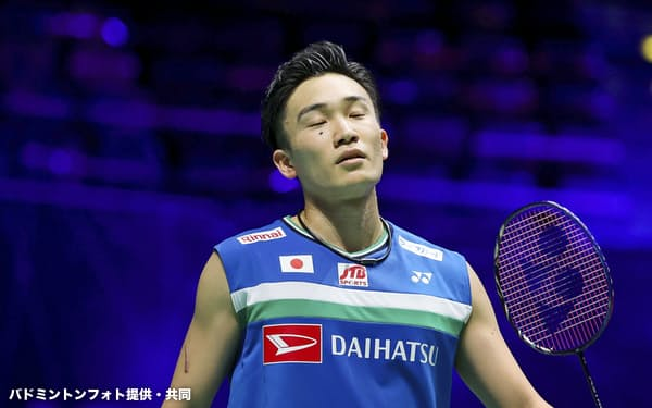 男子シングルスで4強入りを逃した桃田賢斗(19日、バーミンガム)=バドミントンフォト提供・共同