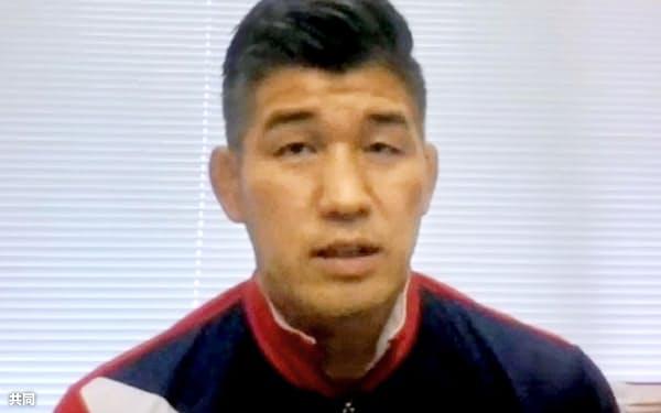 オンラインで取材に応じる柔道男子日本代表の井上康生監督(30日)=共同