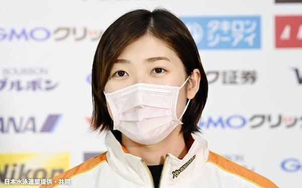 リモート取材に応じる池江璃花子(2日、東京アクアティクスセンター)=日本水泳連盟提供・共同